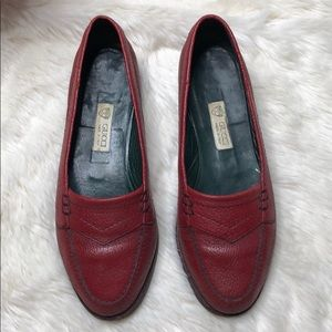 Gucci 1980s Vintage Red Leather Loafers